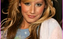 Long-Blonde-Hairstyles-with-Side-Bangs-and-Black-Highlights-Pictures.jpg