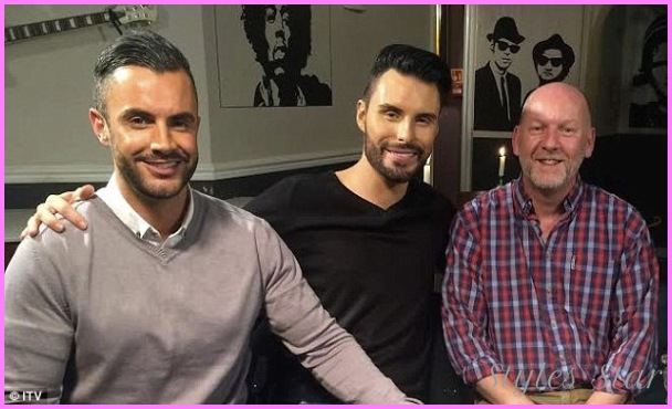 Rylan and Dan Tied The Knot Last Week_23.jpg