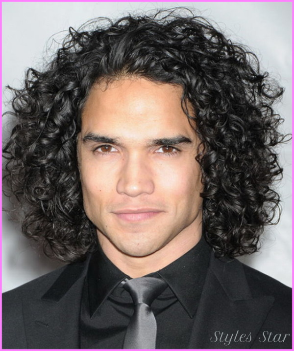 Long Curly Hairstyles For Men_5.jpg