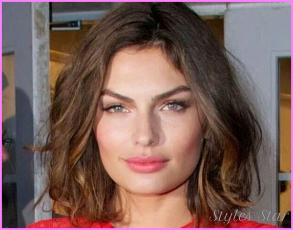 Alyssa Miller Hairstyles - From Long to Short_17.jpg